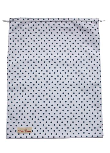 grand sac linge propre blanc pois bleu p 39 tits barons. Black Bedroom Furniture Sets. Home Design Ideas