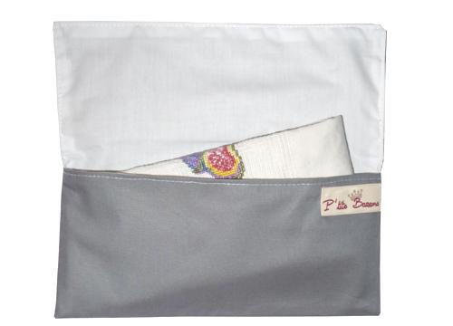 Porte serviette de table gris rouge p 39 tits barons for Porte serviettes de table